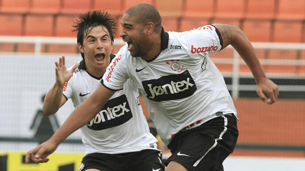 Adriano marcou seu segundo gol com a camisa do Corinthians