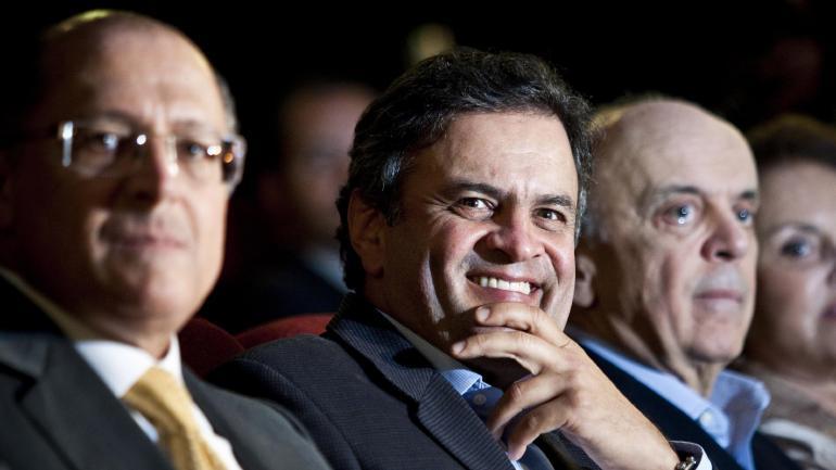 O senador Aécio Neves, o governador Geraldo Alckmin e José Serra prestigiaram pré-estreia do documentário sobre Tancredo Neves
