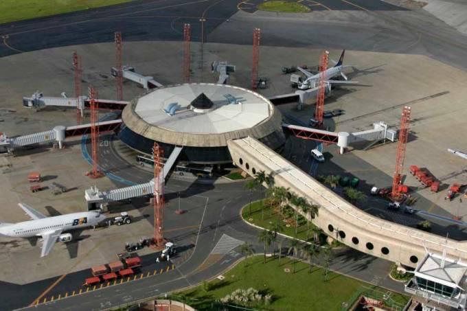 aeroporto-brasilia-20050416-02-original.jpeg