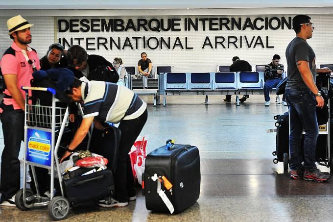 aeroporto-de-guarulhos-sp-fiscalizacao-20120530-09-original.jpeg