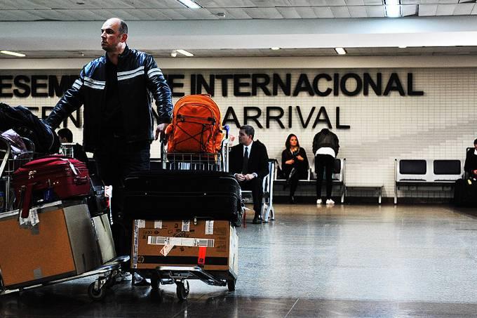 aeroporto-de-guarulhos-sp-fiscalizacao-20120530-16-original.jpeg