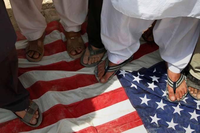In retaliation for war crimes investigations, US sanctions ICC
