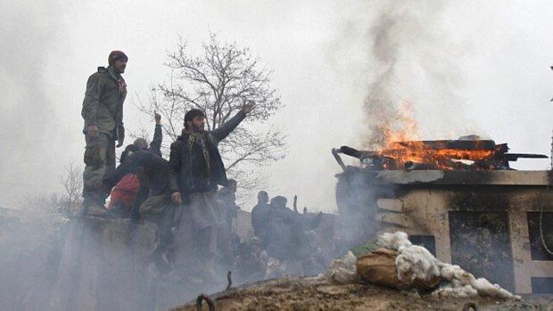 afegaos-protestam-otan-20120221-original.jpeg
