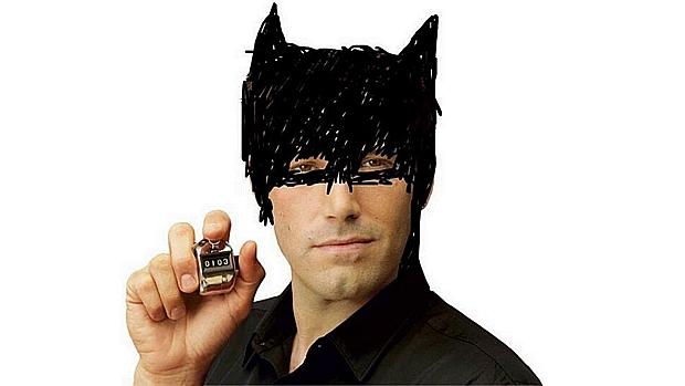 """Mais uma imagem """"em primeira mão"""" de Affleck no papel de Batman"""