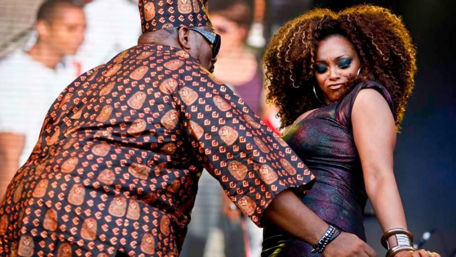 Show de Afrika Bambaataa, Paula Lima e Boss Ac no palco Sunset, no quarto dia do Rock in Rio, em 29/09/2011