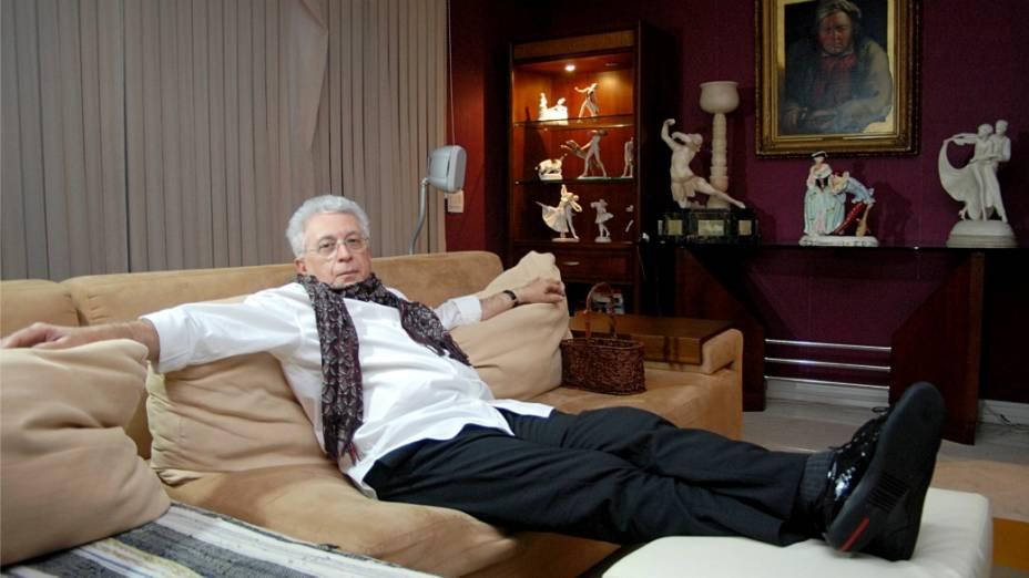 Aguinaldo Silva, em sua casa: autor de Fina Estampa acredita que há espaço para séries entre as novelas das 21h e das 23