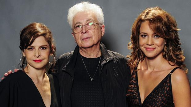 Aguinaldo Silva com Drica Moraes, a vilã Cora, e Leandra Leal, a mocinha Cristina, de Império