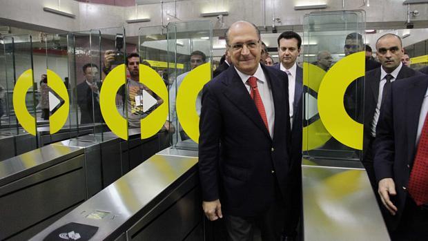 O governador Geraldo Alckmin inaugura a Estação Pinheiros do Metrô