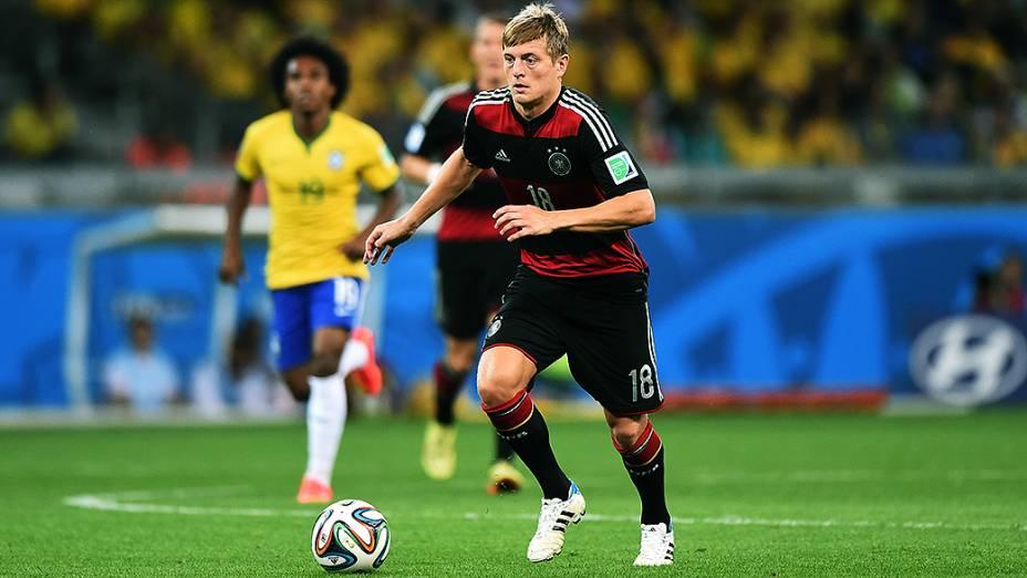 O jogador da seleção alemã Toni Kroos , o autor de dois gols e eleito o melhor jogador em campo na goleada histórica sobre o Brasil, na semifinal da Copa do Mundo, no Mineirão