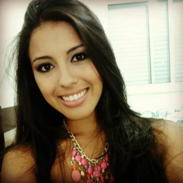 Alessandra Ferreira Flores