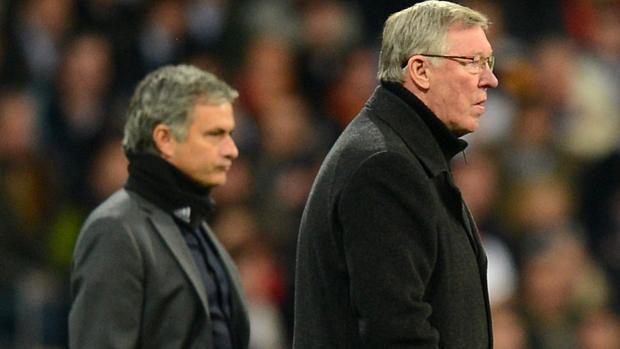 José Mourinho e Alex Ferguson durante partida entre Real Madrid e Manchester United pelas oitavas de final da Liga dos Campeões