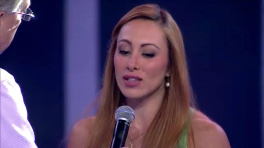Derrotada no paredão duplo contra Marcelo, Aline conversa com Bial
