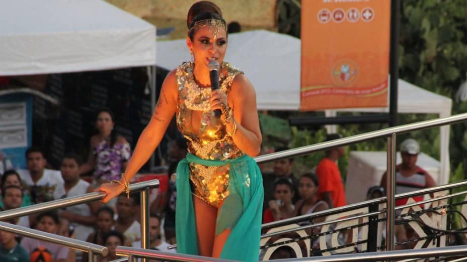 Alinne Rosa da banda Cheiro de Amor se apresenta no Carnaval em Salvador