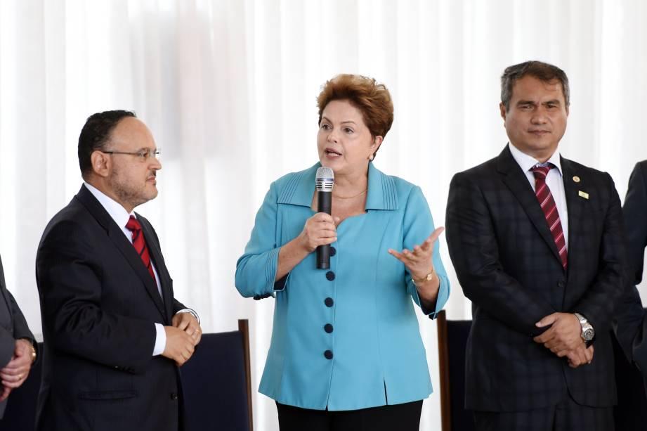 Presidente e candidata a reeleição, Dilma Rousseff, em encontro com reitores das universidades federais brasileiras no Palácio da Alvorada em Brasilia (DF) - 11/09/2014