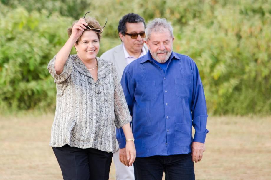 Dilma e Lula em Batatinha: presente a Dona Nalvinha