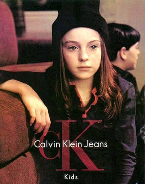 Lindsay Lohan posa para a marca Calvin Klein Kids