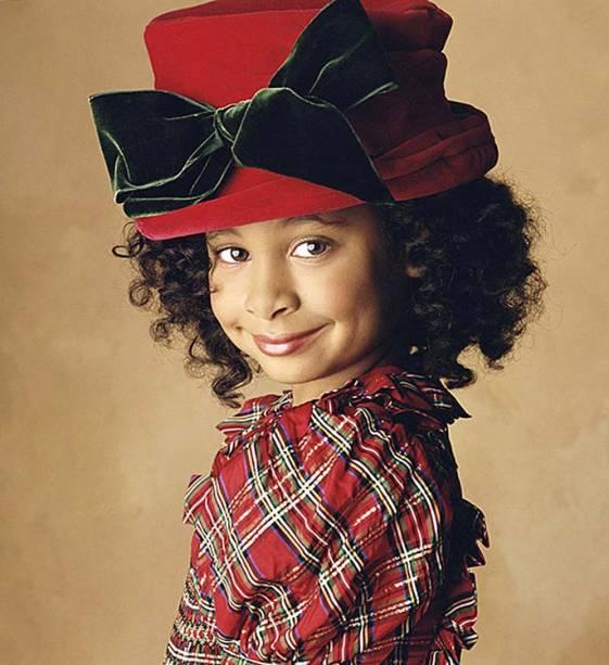Raven-Symoné, conhecida pela franquia Dr. Dolittle, com Eddie Murphy, começou a carreira como modelo aos 2 anos