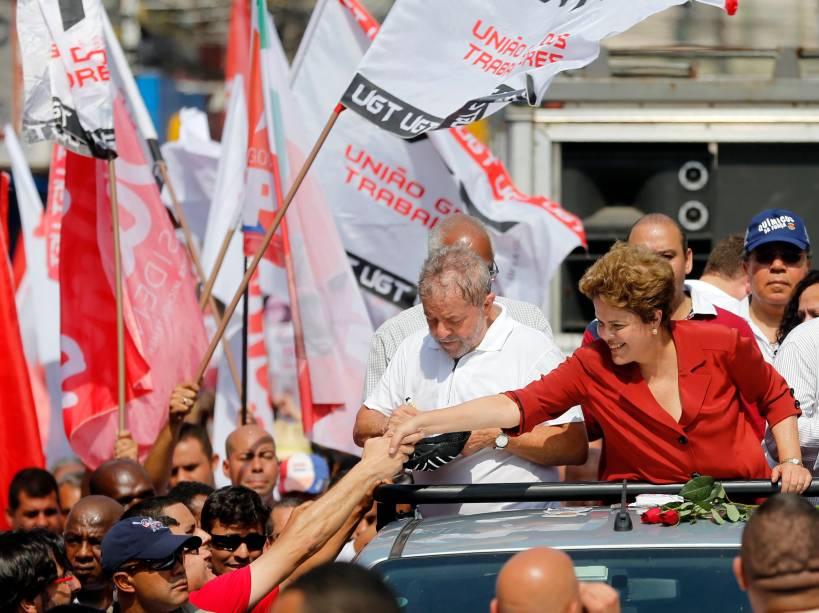 Ao lado do ex-presidente Lula, a candidata Dilma Rousseff (PT) faz campanha pelas ruas de São Bernardo do Campo, na grande São Paulo - 02/09/2014