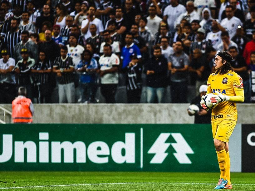 O goleiro Cássio do Corinthians na partida contra o Grêmio no Itaquerão - 23/11/2014
