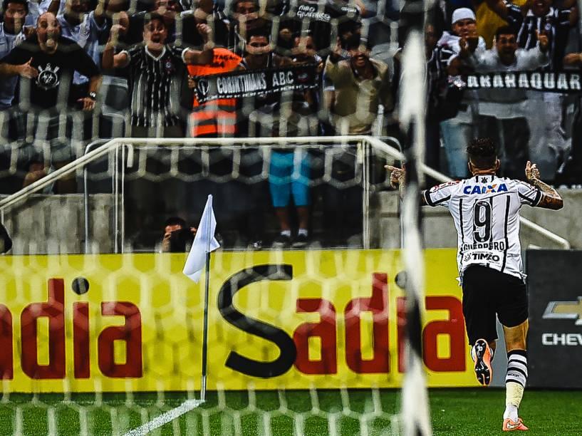 Guerrero comemora o gol da vitória do Corinthians sobre o Grêmio no Itaquerão - 23/11/2014