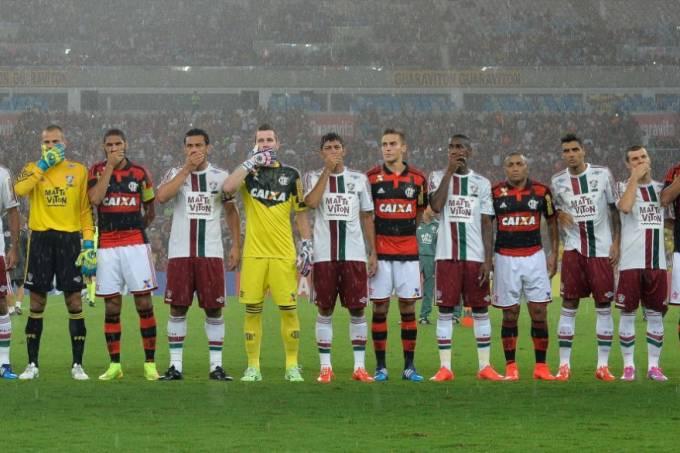 Jogadores do Flamengo e Fluminense: protesto coletivo no clássico no Maracanã