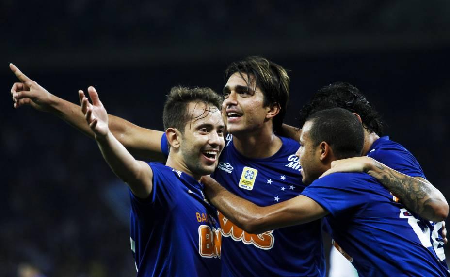 Jogadores do Cruzeiro comemoram gol de Marcelo Moreno contra a Chapecoense pelo Brasileirão 2014 - 30/8/2014