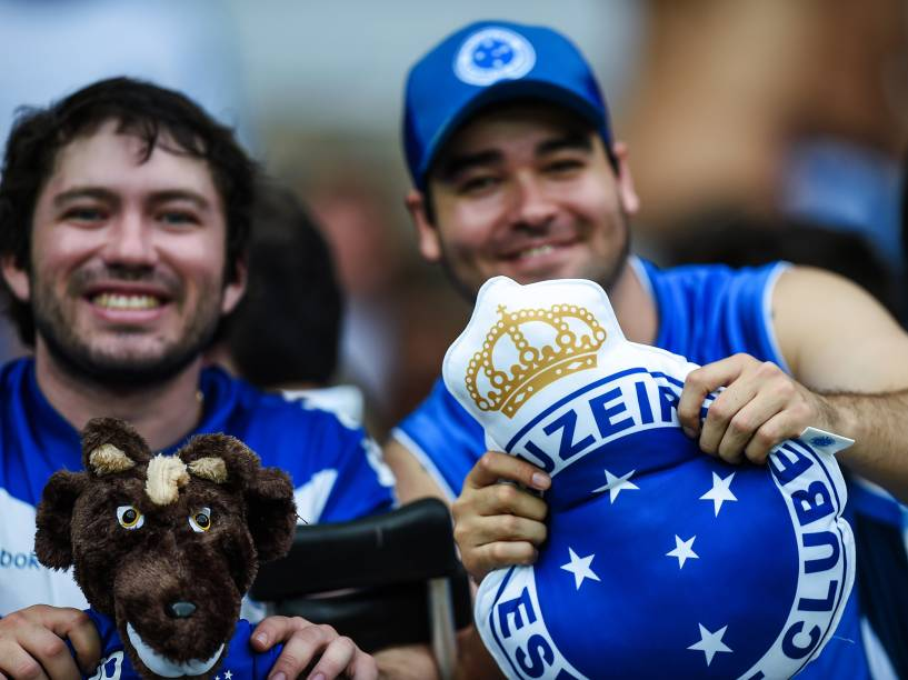 Torcedores do Cruzeiro durante clássico contra o Atlético-MG, no Mineirão, pelo Brasileirão - 21/9/2014