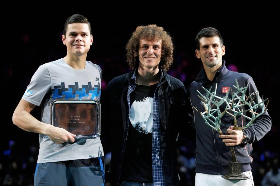 Zagueiro brasileiro David Luiz participou da premiação com Djokovic e Raonic