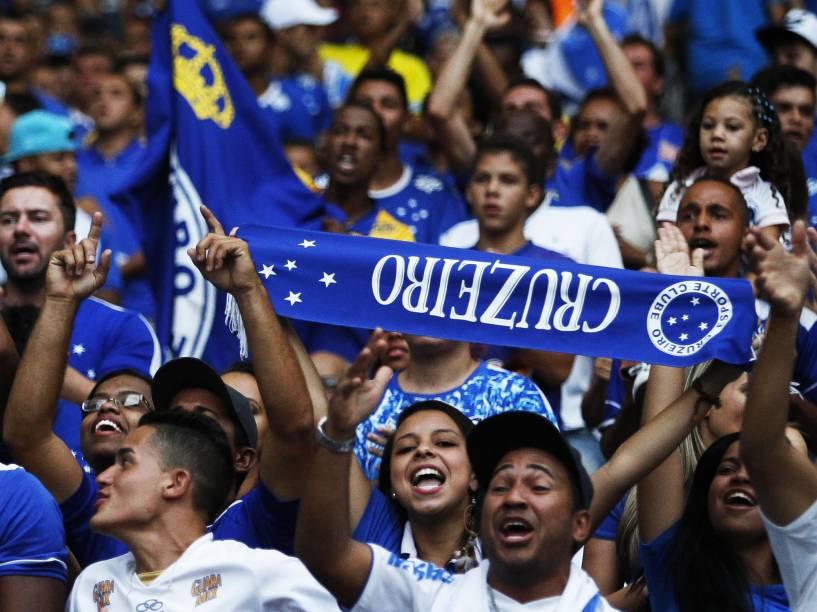 Torcedores do Cruzeiro durante jogo contra o Criciúma pelo Brasileirão - 9/11/2014