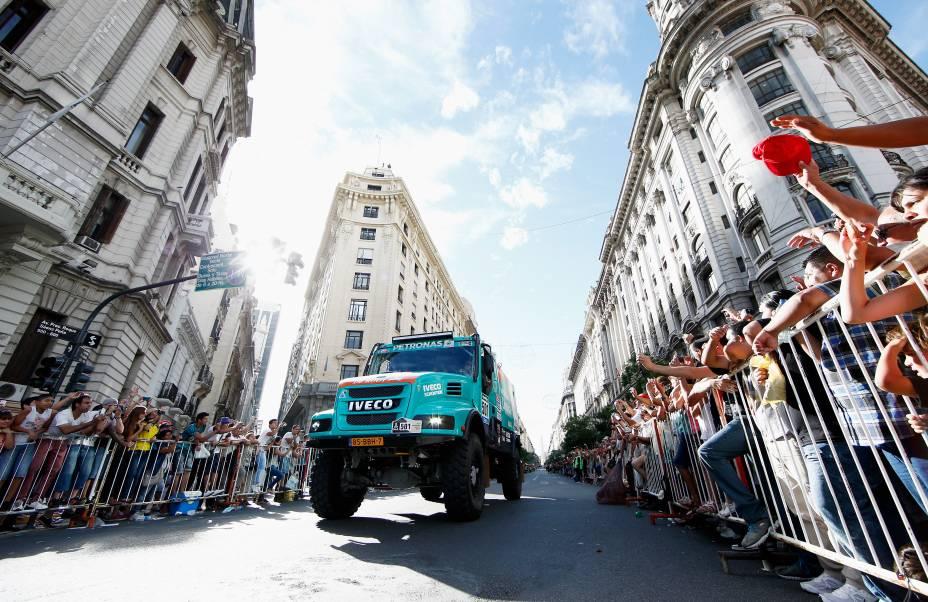 Polícia argentina estima que um milhão de pessoas assistiram à passagem dos veículos na abertura