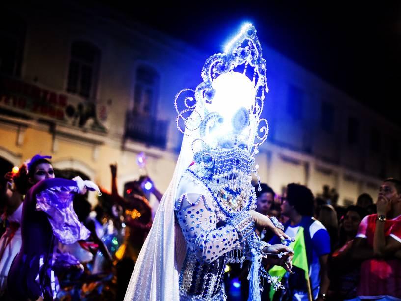 Cortejo que leva manifestação artística e cultural às ruas da Cidade Velha, em Belém, o Auto do Cirio completa 21 anos em 2015