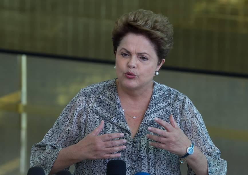 A presidente Dilma Roussef candidata a reeleição durante entrevista coletiva no Palácio da Alvorada