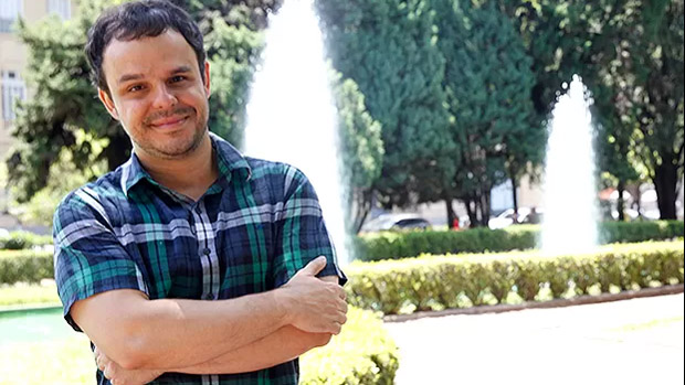 Adrilles Jorge, 40, é poeta de Belo Horizonte