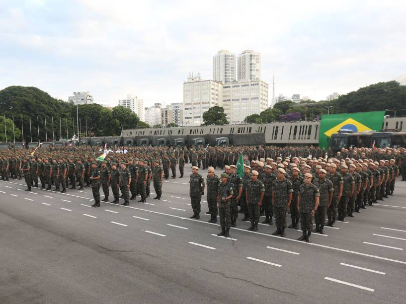 Exército realiza em todo o Brasil uma campanha de conscientização e combate ao mosquito Aedes Aegypti, neste sábado. Militares concentradas no Comando Militar do Sudeste em São Paulo