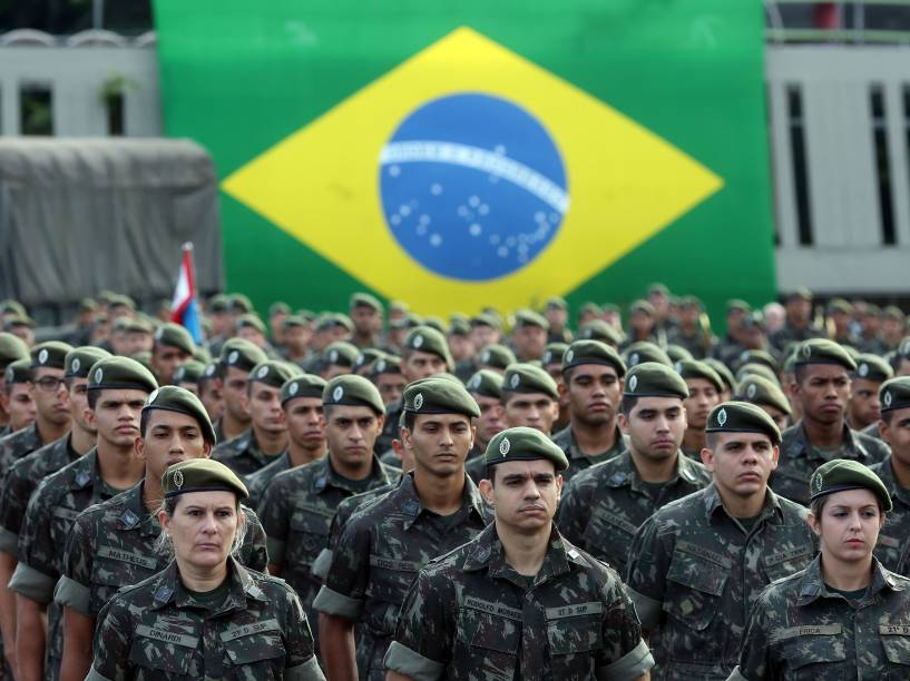Exército realiza em todo o Brasil uma campanha de conscientização no combate ao mosquito Aedes Aegypti, neste sábado (13). Militares concentradas no Comando Militar do Sudeste em São Paulo