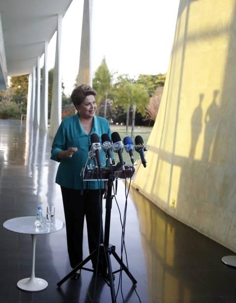 Dilma Rousseff em entrevista coletiva no Palácio da Alvorada, em Brasília - 10/08/2014