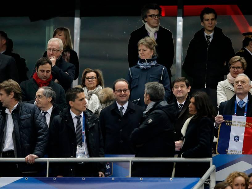 O Presidente da França, François Hollande, antes da partida entre o Brasil no Stade de France, no primeiro amistoso da temporada