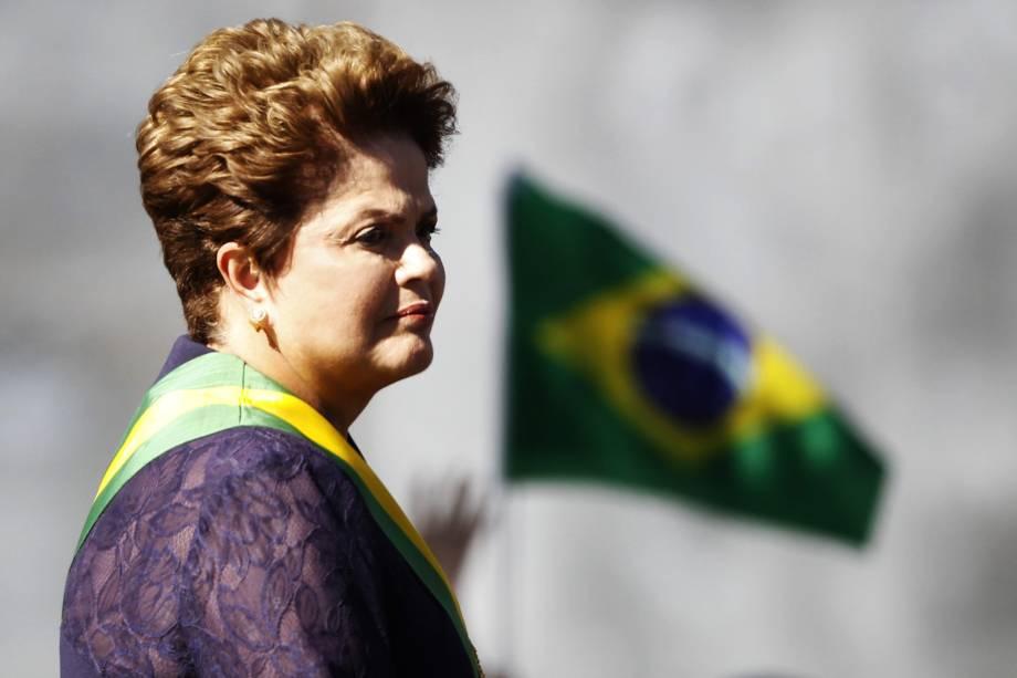 Dilma Rousseff durante desfile em comemoração da independência brasileira em Brasília (DF) - 07/09/2014
