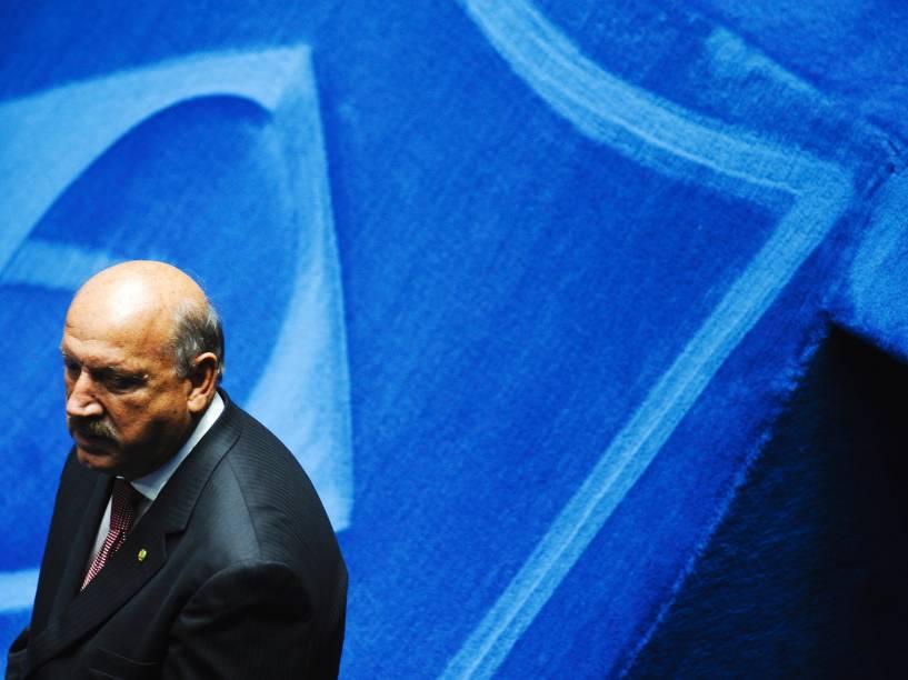 O candidato à presidência do Senado Federal senador Luiz Henrique (PMDB-SC) - 01/02/2015