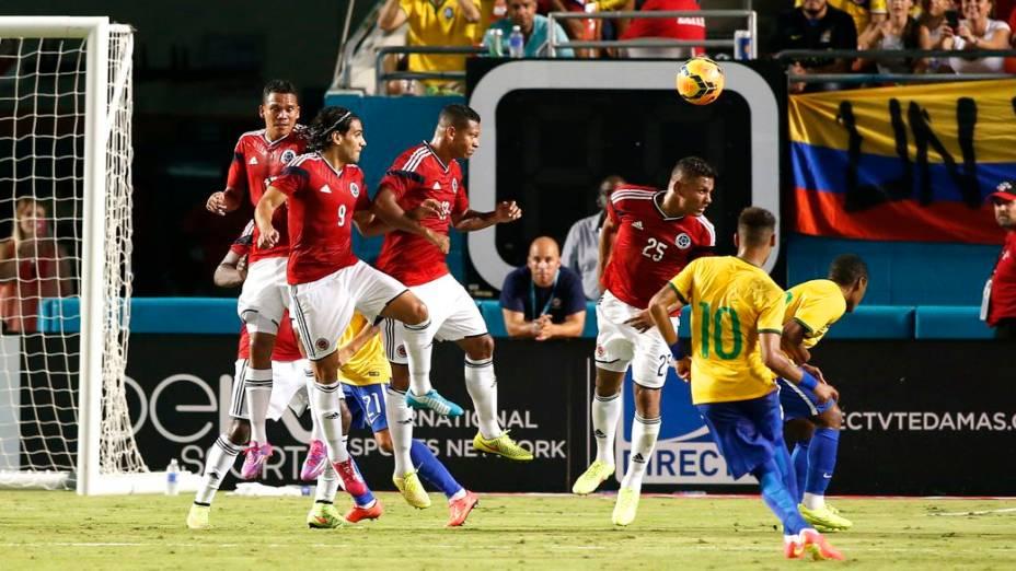 Com gol de Neymar, o Brasil derrota a Colômbia na volta de Dunga ao comando da seleção, em amistoso disputado em Miami