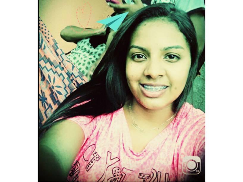 Selfie de Danielly Rodrigues Feitosa, de 17 anos, morta após estupro brutal em Castelo do Piauí
