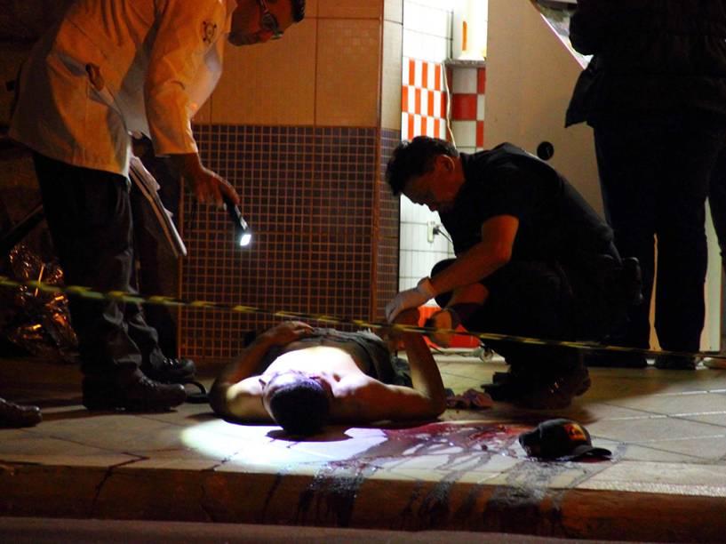 Em Osasco, polícia faz perícia em corpo