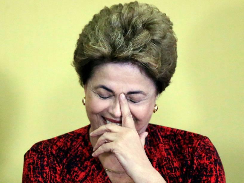 A presidente da República, Dilma Rousseff, durante cerimônia de anúncio da criação de novas universidades públicas, no Palácio do Planalto, em Brasília (DF) - 09/05/2016