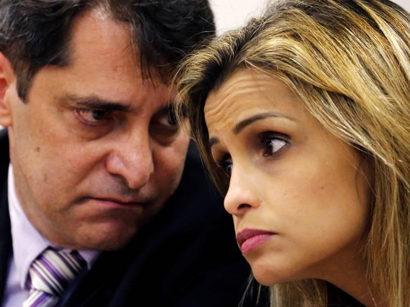 Chefe da polícia Civil Fernando Veloso e a chefe da DCAV (Delegacia da Criança e do Adolescente Vítima) Cristiana Honorato, durante coletiva de imprensa sobre as investigações do estupro de uma adolescente no Rio de Janeiro - 30/05/2016