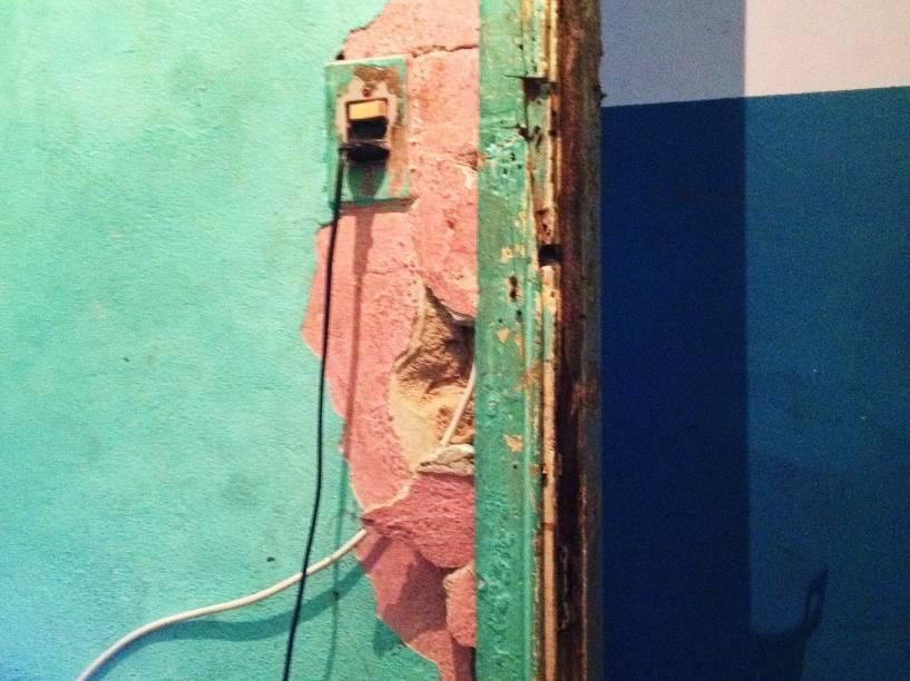 Más condições da estrutura dos hotéis da Cracolândia