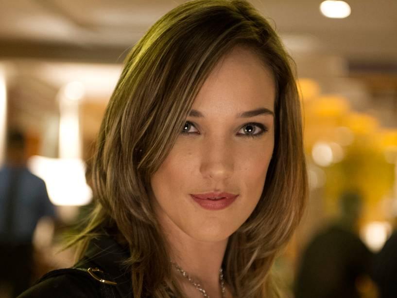 A personagem Amanda (Adriana Birolli), em Império