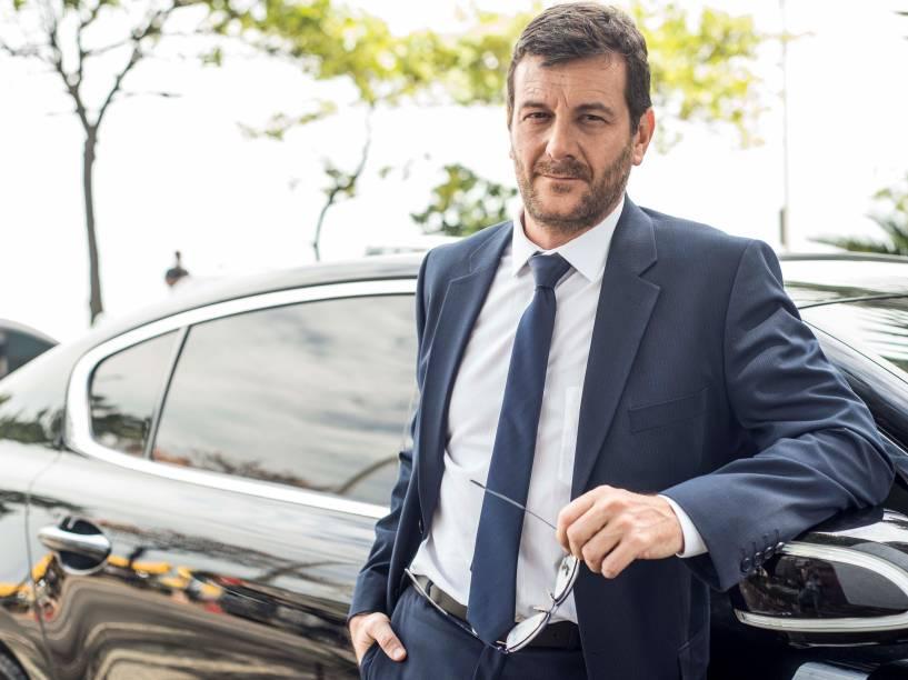 O personagem Josué (Roberto Birindelli), em Império