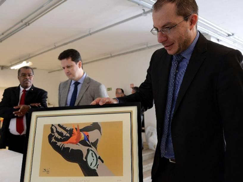 Obra do pintor espanhol Salvador Dalí apreendida pela Polícia Federal na Operação Lava Jato