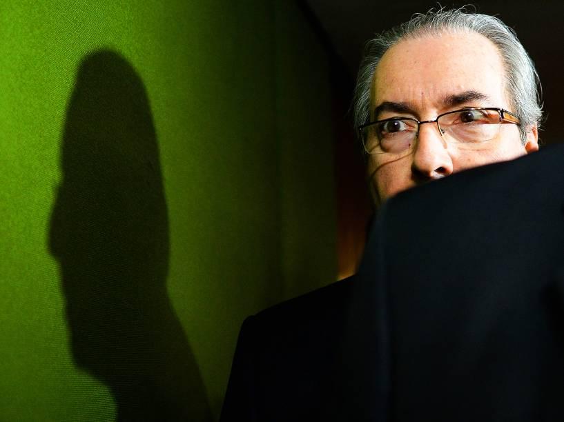 O ex-presidente da Câmara dos Deputados, Eduardo Cunha (PMDB-RJ), se dirige ao Senado Federal, para entregar o pedido de impeachment de Dilma Rousseff, ao presidente do Senado, Renan Calheiros - 18/04/2016
