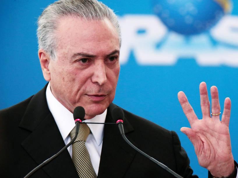 O presidente da República em exercício, Michel Temer, durante cerimônia de posse de novos presidentes de empresas estatais, no Palácio do Planalto, em Brasília (DF) - 01/06/2016